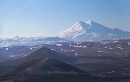 Ansicht von Elbrus vom Abhang von Mashuk Lizenzfreie Stockbilder