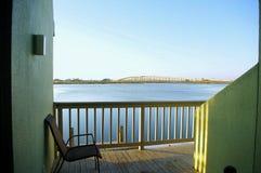 Ansicht von Erinnerungs-Mausway Brücke JFK von Punta Vista stockbild