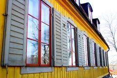 Ansicht von Fenstern eines Hauses Stockfoto