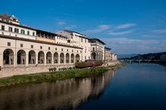 Ansicht von Florenz durch den Arno Stockbilder