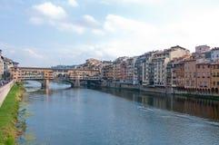 Ansicht von Florenz durch den Arno Lizenzfreie Stockfotos
