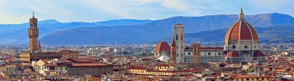 Ansicht von Florenz mit altem Palast und Haube der Kathedrale von Mich Stockbild