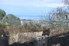 Ansicht von Forchtenstein-Schloss auf dem Tal lizenzfreies stockfoto