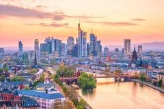 Ansicht von Frankfurt-Stadtskylinen in Deutschland lizenzfreie stockbilder