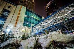 Ansicht von Gaviidae-Common, ein im Stadtzentrum gelegenes Minneapolis-Einkaufszentrum mit dem skyway Zugang, genommen lizenzfreie stockbilder