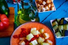 Ansicht-Ansicht von gazpacho, eine typische spanische Mahlzeit lizenzfreies stockbild