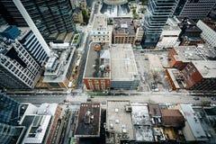 Ansicht von Gebäuden entlang Adelaide Street und Simcoe-Straße, tun herein Lizenzfreie Stockbilder