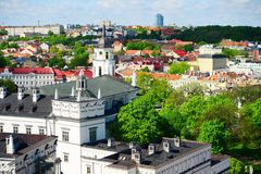 Ansicht von Gediminas-Schloss nach das alte Vilnius Lizenzfreies Stockbild