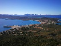 Ansicht von Golfo Aranci von Monte Ruju in Sardinien Lizenzfreies Stockfoto