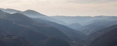 Ansicht von Hügeln nahe Kraljevo Serbien 3 Lizenzfreie Stockfotos