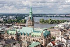 Ansicht von Hamburg vom Spitzenpunkt der alten Mitte und des Sees Lizenzfreies Stockfoto