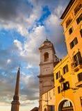 Ansicht von historischen Gebäuden in Rom, Italien Lit mit einem Sonnenuntergang L Stockfoto