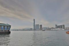 Ansicht von Hong Kong-Insel in Kowloon Stockfotos