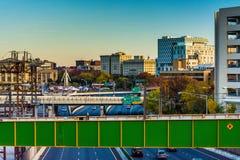 Ansicht von I-83 und von Gebäuden von einer Brücke in Baltimore, Maryland Lizenzfreies Stockfoto
