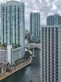 Ansicht von im Stadtzentrum gelegenem Miami, von Florida und von Miami-Fluss Lizenzfreie Stockfotos
