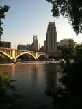 Ansicht von im Stadtzentrum gelegenem Minneapolis Lizenzfreie Stockfotos