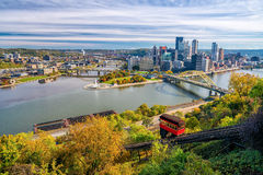 Ansicht von im Stadtzentrum gelegenem Pittsburgh Stockfotografie