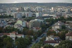 Ansicht von im Stadtzentrum gelegenem Varna Bulgarien von oben Stockbilder