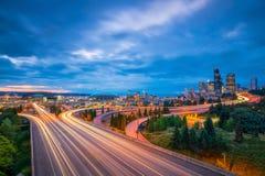 Ansicht von im Stadtzentrum gelegenen Seattle-Skylinen Lizenzfreie Stockfotos
