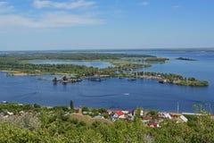 Ansicht von Insel Zelenyy auf der Wolga Stockbild