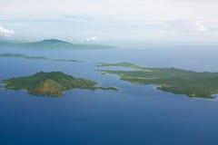 Ansicht von Inseln vom Flugzeugfenster Lizenzfreie Stockfotografie
