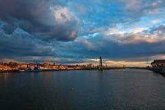 Ansicht von Köln mit einem Funfair lizenzfreie stockfotos