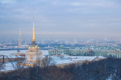 Ansicht von Kathedrale St. Isaacs Stockfotos
