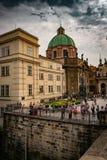 Ansicht von Kirche SV Salvator, Krizovnicke-namesti Quadrat, in Prag lizenzfreie stockfotografie