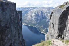 Ansicht von Kjeragbolten, Kjerag-Berg Rogoland, Norwegen Lizenzfreie Stockfotos