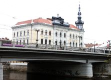 Ansicht von Klausenburg Napoca mit Babos-Palast stockbild