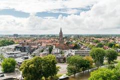 Ansicht von Leeuwarden und von StDominicusker-Kirche, die Niederlande Stockbilder