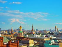Ansicht von Moskau von der Aussichtsplattform auf dem Lubyanka des Speicher Kind-` s Shops Stockbilder
