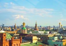 Ansicht von Moskau von der Aussichtsplattform auf dem Lubyanka des Speicher Kind-` s Shops Lizenzfreie Stockbilder