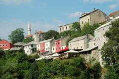 Ansicht von Mostar von der Brücke Lizenzfreies Stockfoto