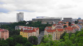 Ansicht von neuem und von der alten Stadt zusammen Lizenzfreie Stockbilder