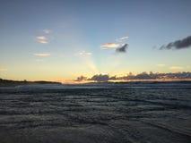 Ansicht von Niihau-Insel vom Abstreifensand-Strand am Polihale-Nationalpark auf Kauai-Insel Lizenzfreie Stockfotografie