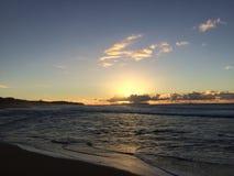 Ansicht von Niihau-Insel vom Abstreifensand-Strand am Polihale-Nationalpark auf Kauai-Insel Lizenzfreies Stockbild