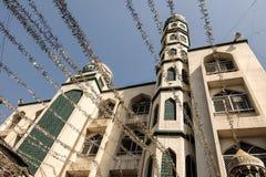 Ansicht von Noor-UL-Hooda Masjid in Dharavi lizenzfreie stockfotografie