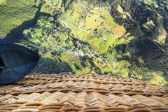 Ansicht von oben genanntem beim Im Ballon aufsteigen Lizenzfreie Stockfotos