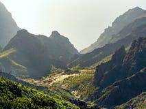 Ansicht von oben genanntem in die Berge von Masca, in den Teno-Bergen in Teneriffa stockbilder