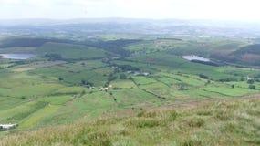 Ansicht von Pendle-Hügel unten herein zur Gerste Stockbilder