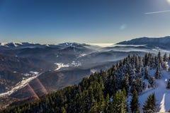 Ansicht von Postavarul-Spitze, Brasov, Siebenbürgen, Rumänien lizenzfreie stockbilder