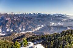 Ansicht von Postavarul-Spitze, Brasov, Siebenbürgen, Rumänien stockbilder