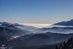 Ansicht von Postavarul-Spitze, Brasov, Siebenbürgen, Rumänien stockfotos