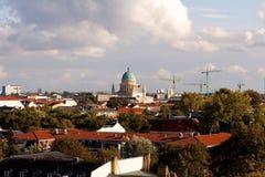 Ansicht von Potsdam, Deutschland, mit dem Garnisionskirche (Garrison Church) in dem Mitte (Landschaft) Lizenzfreies Stockfoto