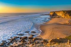 Ansicht von Praia Ribeira de Ilhas Ericeira Lizenzfreie Stockfotografie