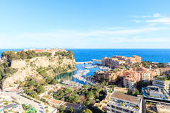 Ansicht von Prinz ` s Palast in Monte Carlo an einem Sommertag, lizenzfreie stockfotografie