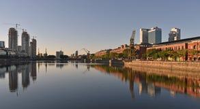 Ansicht von Puerto Madero, Argentinien lizenzfreie stockbilder