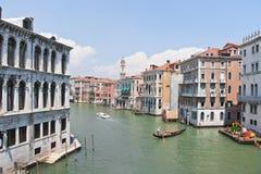 Ansicht von Rialto-Brücke, Venedig Stockfotos