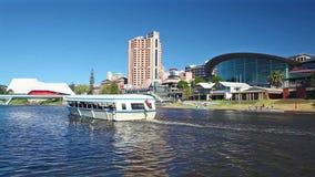 Ansicht von Riverbank-Bezirk in Adelaide, Australien stock video footage